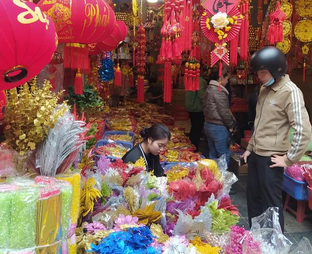 هانوی: شهر Hang Hang در روزهای Tet مشغول است - تصویر 11.