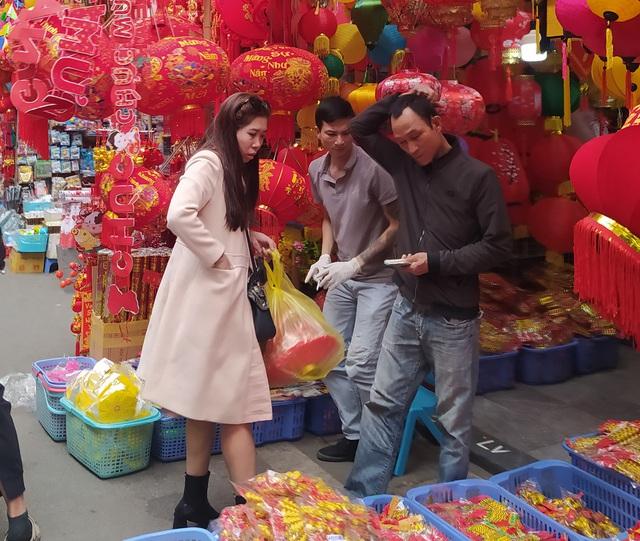هانوی: شهر Hang Hang در روزهای Tet شلوغ است - عکس 14.