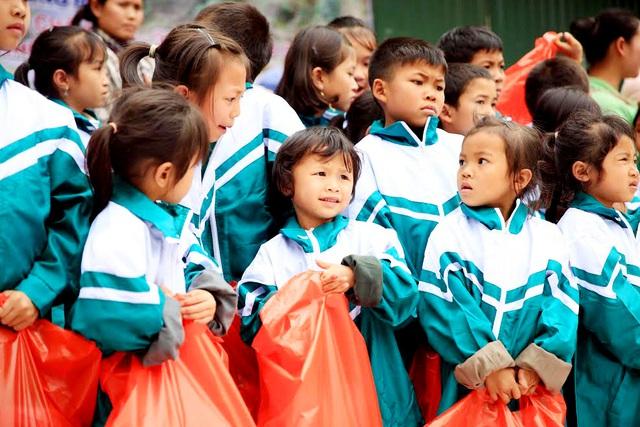 Báo Gia đình và Xã hội tổ chức Chương trình Xuân ấm biên cương đến người dân vùng núi - Ảnh 1.