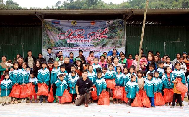 Báo Gia đình và Xã hội tổ chức Chương trình Xuân ấm biên cương đến người dân vùng núi - Ảnh 2.