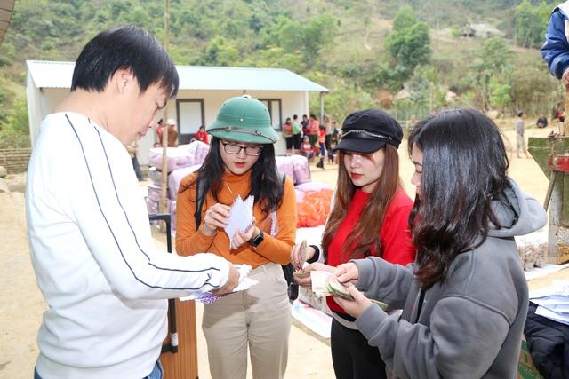 Báo Gia đình và Xã hội tổ chức Chương trình Xuân ấm biên cương đến người dân vùng núi - Ảnh 4.