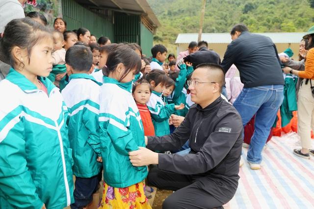 Báo Gia đình và Xã hội tổ chức Chương trình Xuân ấm biên cương đến người dân vùng núi - Ảnh 7.