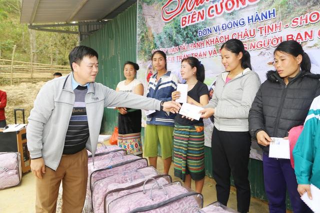 Báo Gia đình và Xã hội tổ chức Chương trình Xuân ấm biên cương đến người dân vùng núi - Ảnh 8.