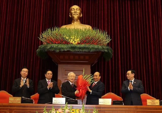 Ông Nguyễn Phú Trọng tái đắc cử Tổng Bí thư - Ảnh 2.