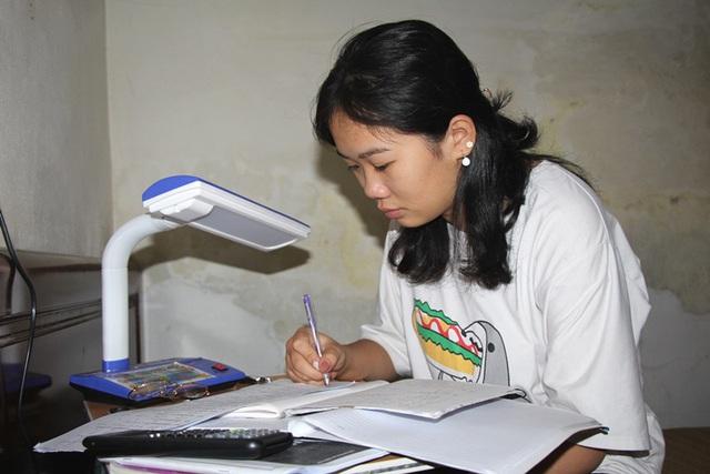 Đau lòng nữ sinh lớp 11 Hải Dương mồ côi bố mẹ và ước mơ phía trước mịt mờ - Ảnh 2.