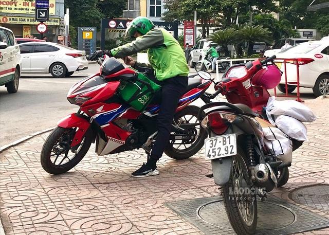 افزایش پس از نرخ: مشتری ها پشت خود را می کنند ، رانندگان Grab - عکس 3.