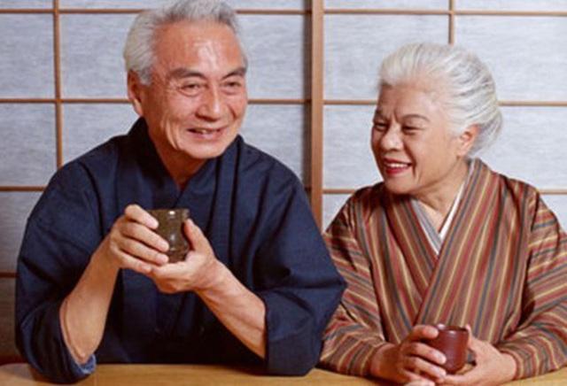 علاوه بر ماهی ، طول عمر ژاپن نیز به لطف این سبزی با طول عمر بالا ، که به عنوان یک غذای فوق العاده شناخته شده است ، بهبود می یابد - عکس 2.