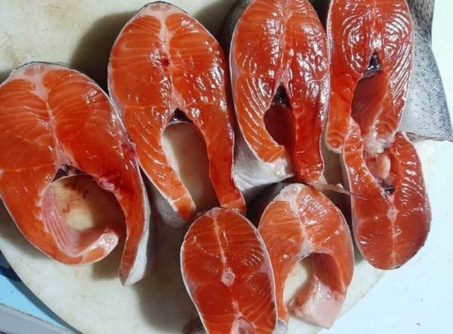 ماهی قزل آلا Sa Pa دوباره فوق العاده ارزان است ، سالانه 2 قطره شوک وجود دارد ، کشاورزان ضرر زیادی دارند - عکس 2.