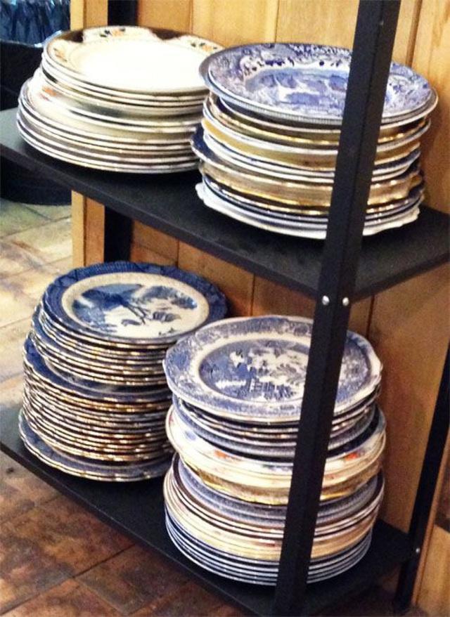 Những mẹo vặt giúp bát đĩa nhà bếp luôn gọn gàng và ngăn nắp - Ảnh 2.