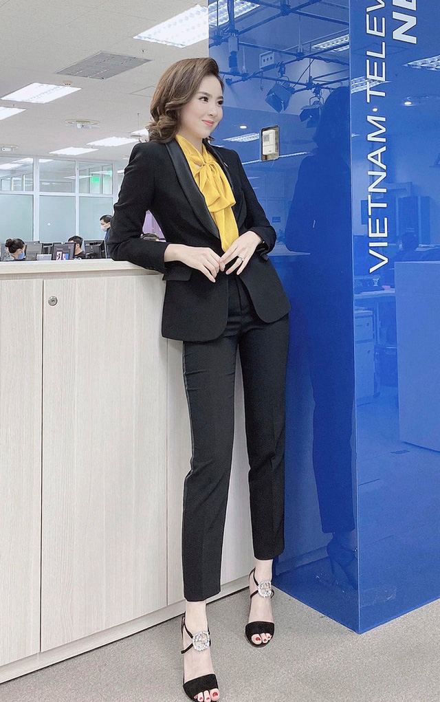 BTV Mai Ngoc 12 روش پوشیدن یک بلیزر استاندارد و ظریف را بیاموزید ، اما به هیچ وجه - عکس 9.
