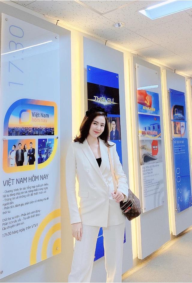BTV Mai Ngoc 12 روش پوشیدن یک بلیزر استاندارد و ظریف را بیاموزید ، اما به هیچ وجه - عکس 10.