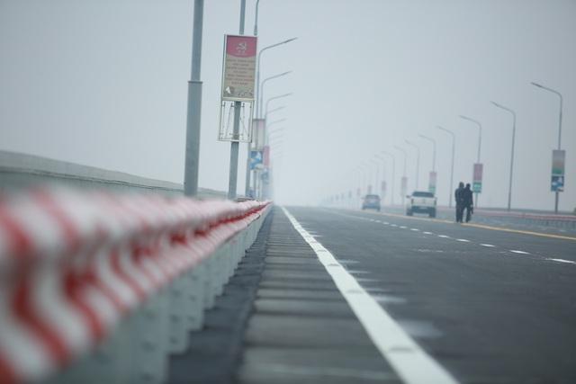 کنترل بار ماشین روی پل Thang Long برای اطمینان از ایمنی پس از تعمیرات - عکس 4.