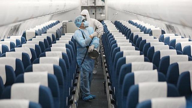11 نفر در هنگام پرواز از ایالات متحده به ویتنام در شب سال نو آلوده به COVID-19 - عکس 1.