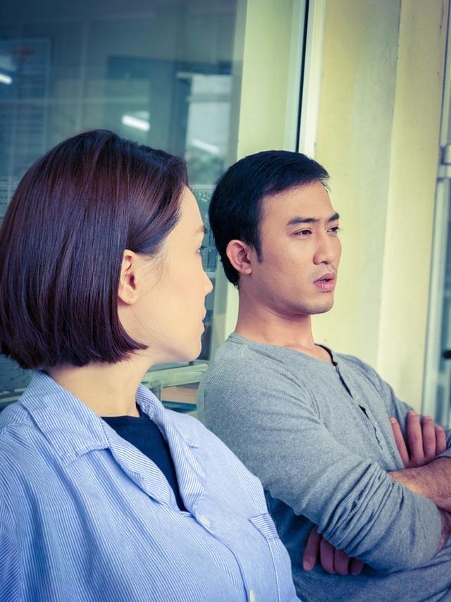 گل آفتابگردان در برابر آفتاب: هونگ دیم به دلیل خیانت توسط هنگ دنگ در بیمارستان بستری شد ، اما آیا پسری خوش تیپ در مراقبت حضور داشت؟  - تصویر 2
