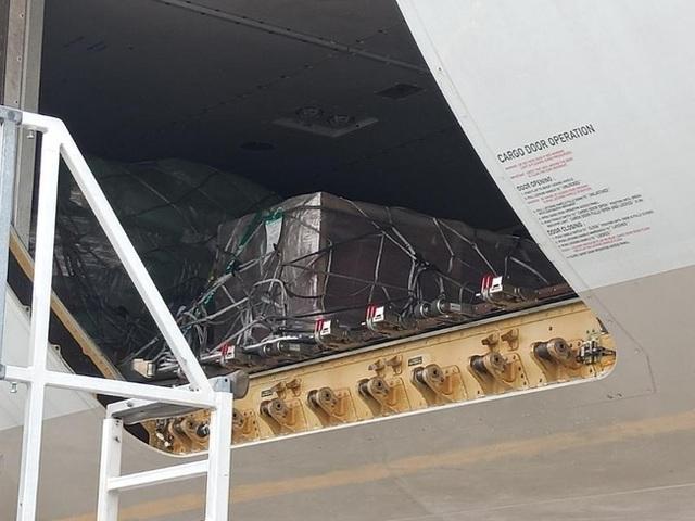 آخرین پرواز نایب قهرمان فیلیپین: جسد در یک تابوت سرد است ، به خانه برگشت ، مراسم خاکسپاری خصوصی اشک آور - عکس 2.