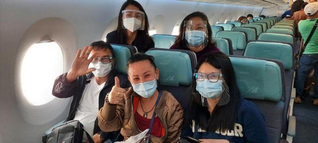 مقام دوم آخرین پرواز به فیلیپین: جسد در یک تابوت سرد قرار دارد و به خانه منتقل شده است ، یک مراسم خاکسپاری خصوصی و اشک آور - عکس 4.