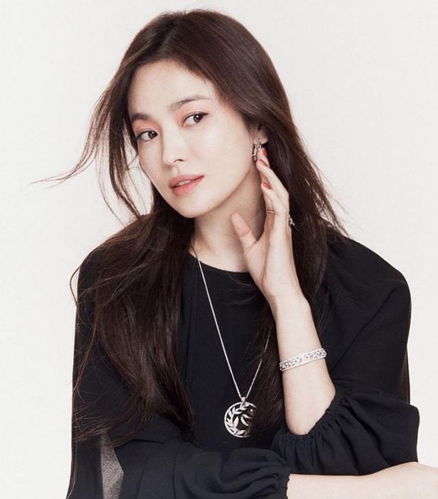 هیون بن یک بار پس از فرود می خواست داستان عاشقانه خود را با سین یه جین منتشر کند ، دلیل کجا بود Song Hye Kyo؟  تصویر 3