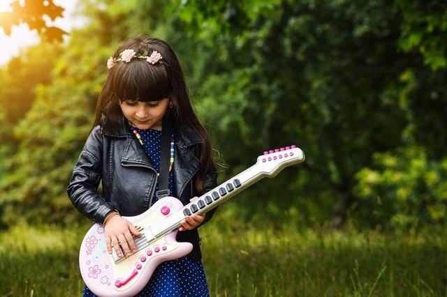 ده چیز که کودکان برای یادگیری بزرگسالان شاد نیاز دارند - تصویر 2