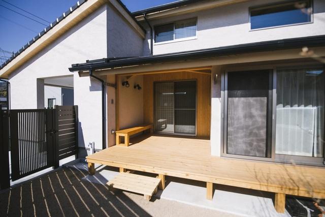 خانه ای چوبی ساخته شده در معماری ژاپن با 1 طبقه همکف و 1 میزانسن آرام برای خانواده های جوان - تصویر 2.