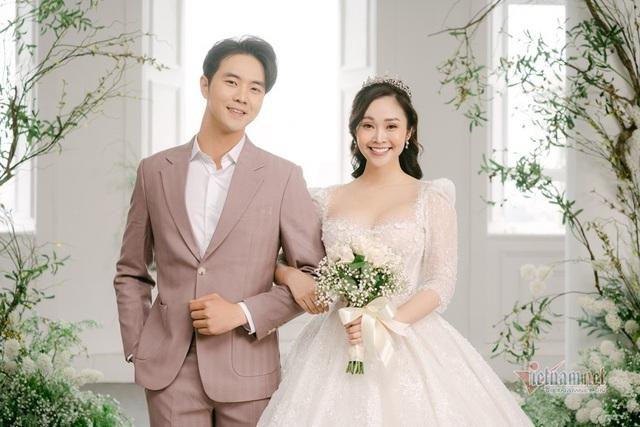 عکس عروسی MC Thuy Linh VTV و همسرش 5 سال بازیگر جوان تر - عکس 12.