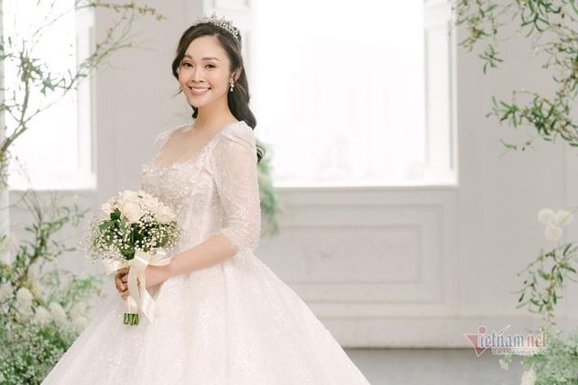 عکس عروسی MC Thuy Linh VTV و همسرش 5 سال بازیگر جوان تر - عکس 19.