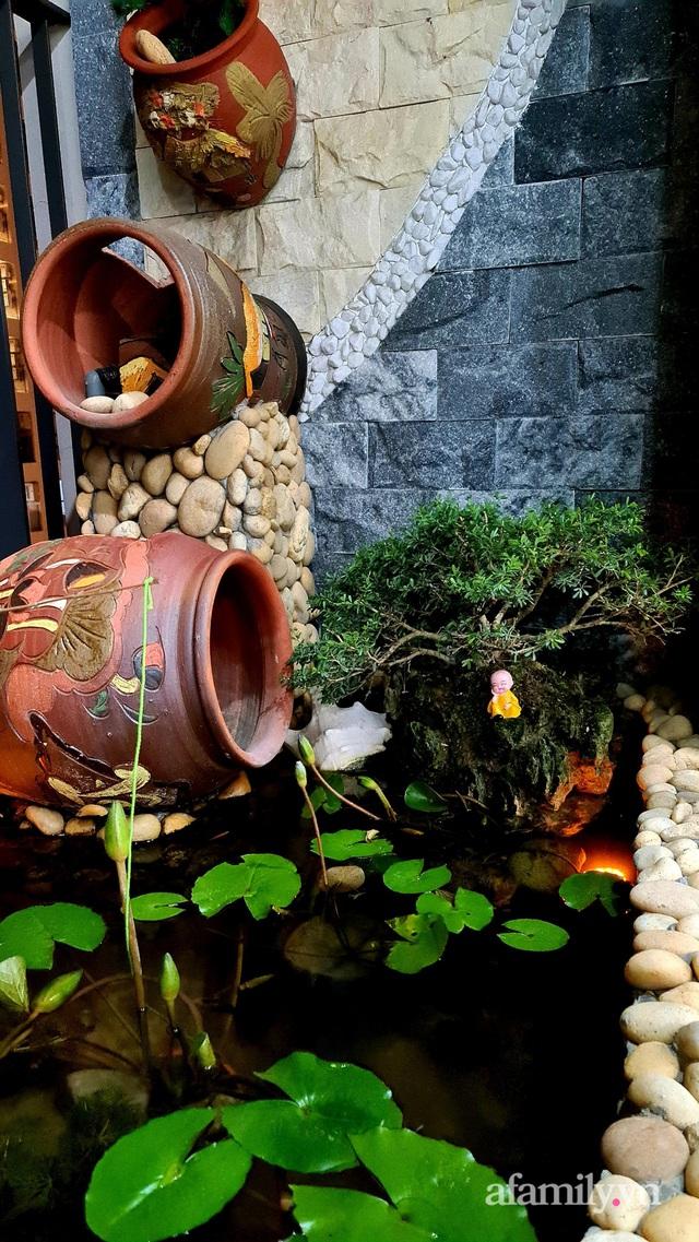 Khu vườn nhỏ thư giãn, tĩnh lặng trên ban công với view hồ lãng mạn của gia đình giám đốc trẻ ở Hà Nội - Ảnh 24.