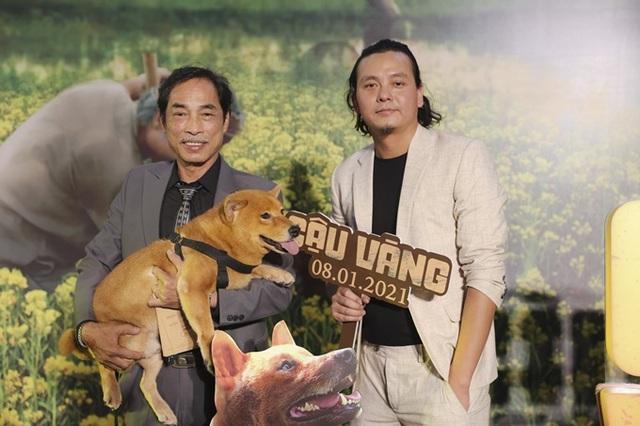 زوج Tang Thanh Ha در حال تماشای فیلم Cau Vang - تصویر 6.