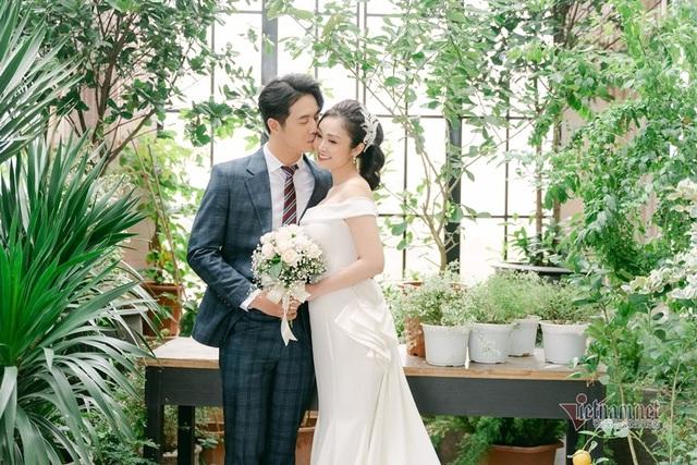 عکس عروسی MC Thuy Linh VTV و همسرش 5 سال بازیگر جوان تر - عکس 11.