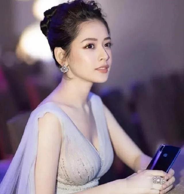 Phuong Anh پاسخ داد ، به عنوان یک رقص به عنوان یک تمرین ، آواز یک فاجعه است ، و همچنین به Chi Pu اشاره کرد - تصویر 2