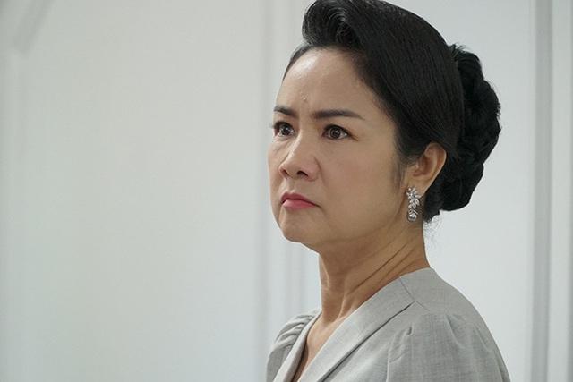 هنرمند مردم Thu Ha به نقش حیله گر فشار می آورد - عکس 2.