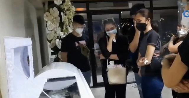خانواده و دوستان در مراسم تشییع جنازه فیلیپین زیبا خفه شدند - عکس 4.