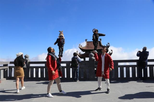 """Hành trình của hai """"chàng trai xiếc"""" 3 tuổi đạt Kỷ lục Guinness Việt Nam - Ảnh 1."""