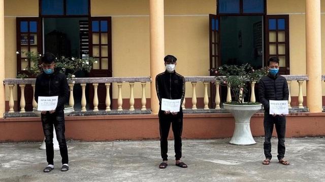 Quảng Ninh: Khởi tố 3 đối tượng giả danh chốt phòng dịch để cướp tài sản - Ảnh 1.
