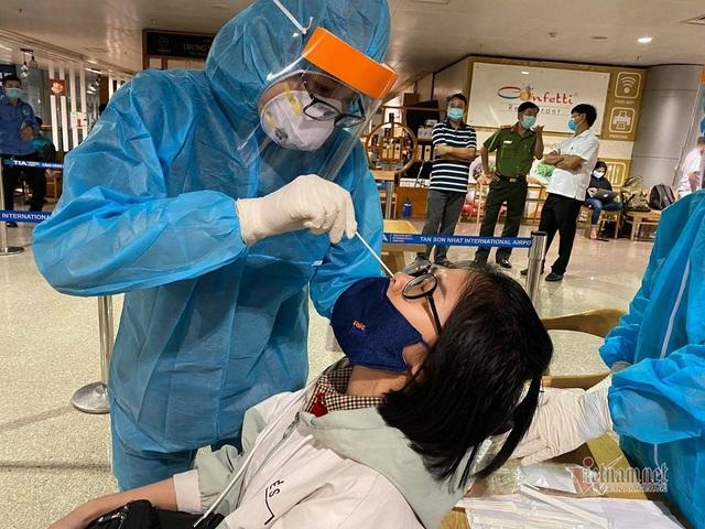 Chuỗi lây nhiễm liên quan sân bay Tân Sơn Nhất được chặt đứt ra sao? - Ảnh 1.