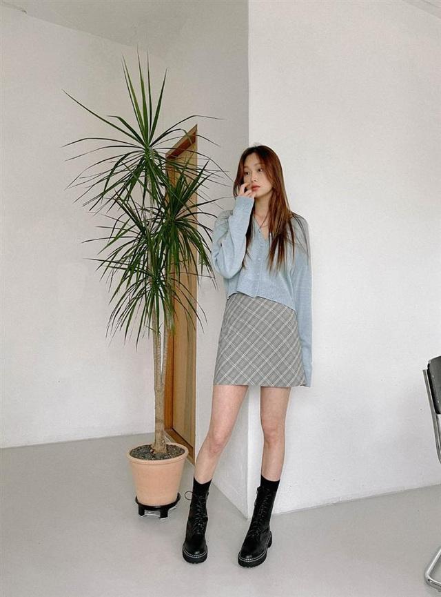 5 kiểu chân váy gái Hàn thường diện với áo len, nàng công sở nên hóng ngay để không bao giờ lo mặc xấu - Ảnh 15.