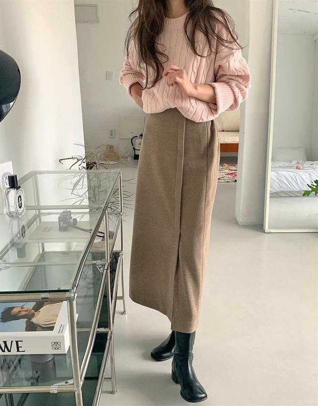 5 kiểu chân váy gái Hàn thường diện với áo len, nàng công sở nên hóng ngay để không bao giờ lo mặc xấu - Ảnh 4.