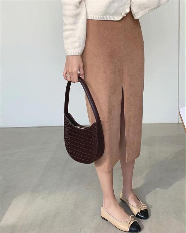 5 kiểu chân váy gái Hàn thường diện với áo len, nàng công sở nên hóng ngay để không bao giờ lo mặc xấu - Ảnh 6.