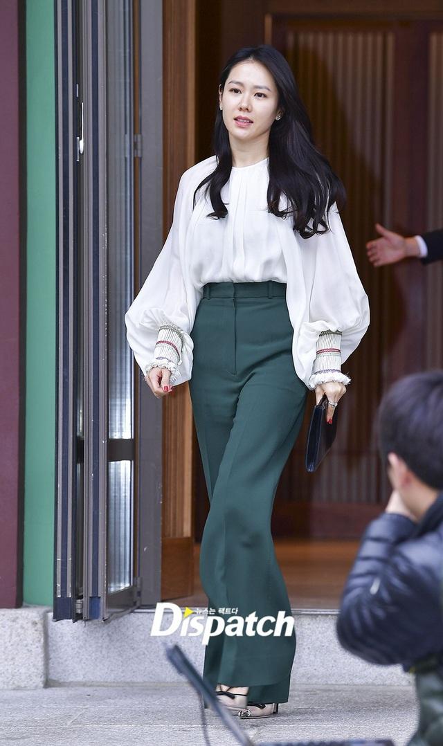 Quần ống rộng phổ biến như thế mà Son Ye Jin rất hiếm khi mặc, và đây chính là lý do - Ảnh 6.