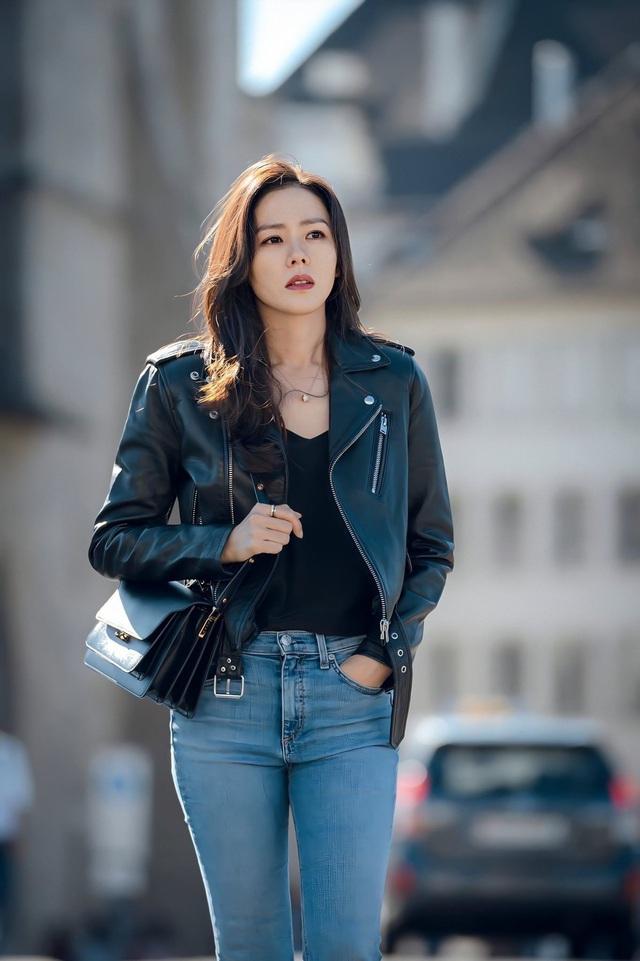 Quần ống rộng phổ biến như thế mà Son Ye Jin rất hiếm khi mặc, và đây chính là lý do - Ảnh 7.