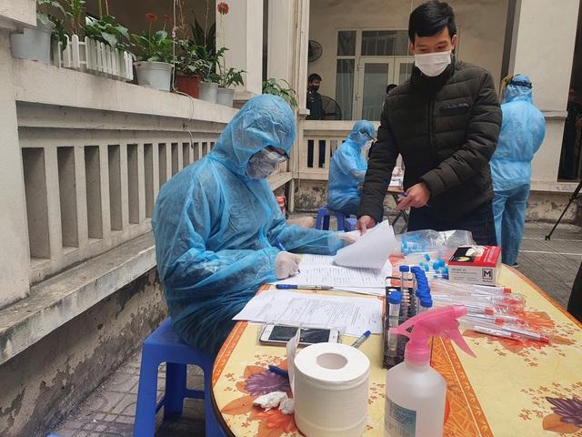 Hà Nội xét nghiệm SARS-CoV-2 miễn phí cho tân binh nhập ngũ - Ảnh 4.