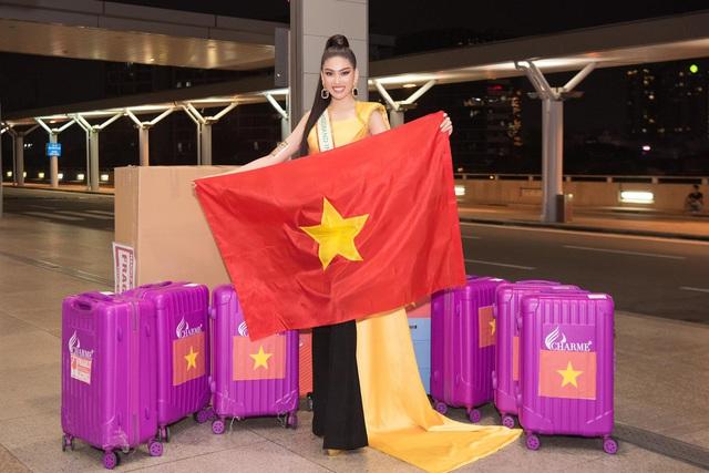 Ngọc Thảo mặc đồ bảo hộ, đeo sash Việt Nam lên đường chinh phục Miss Grand International 2020 - Ảnh 1.