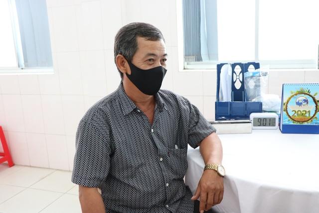 Hình ảnh buổi tiêm thử nghiệm giai đoạn 2 vaccine Nanocovax tại Long An - Ảnh 10.