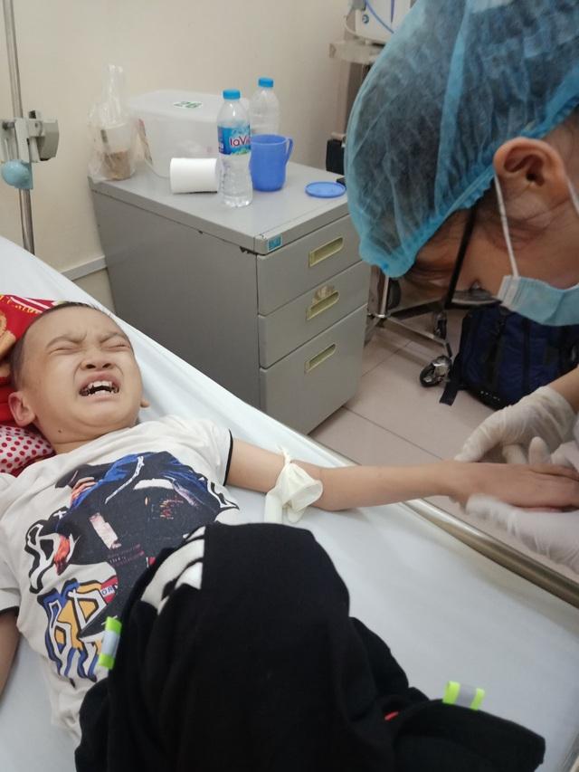 Bé trai 8 tuổi bị ung thư máu mong một cái Tết trọn vẹn - Ảnh 2.