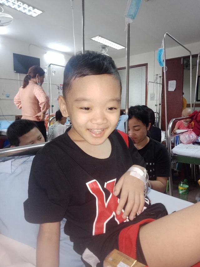Bé trai 8 tuổi bị ung thư máu mong một cái Tết trọn vẹn - Ảnh 5.