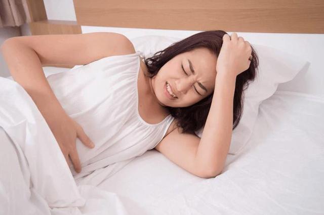 Lương y bày cách đơn giản giúp chị em trị đau bụng kinh nhanh chóng bằng vật liệu có sẵn trong nhà bếp - Ảnh 2.