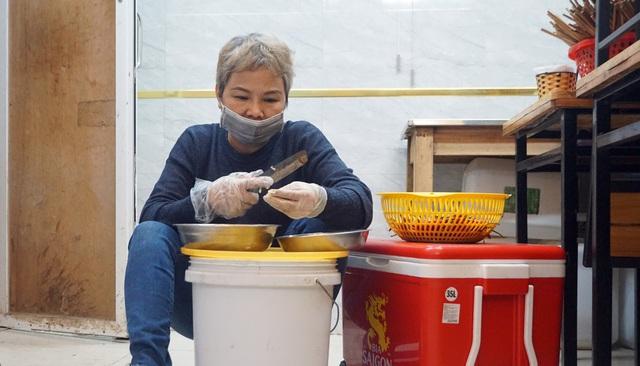 Hà Nội: Nhà hàng, quán cà phê xuyên đêm chuẩn bị cho ngày đầu hoạt động trở lại - Ảnh 11.