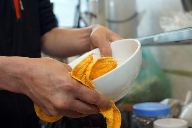 Hà Nội: Nhà hàng, quán cà phê xuyên đêm chuẩn bị cho ngày đầu hoạt động trở lại - Ảnh 14.
