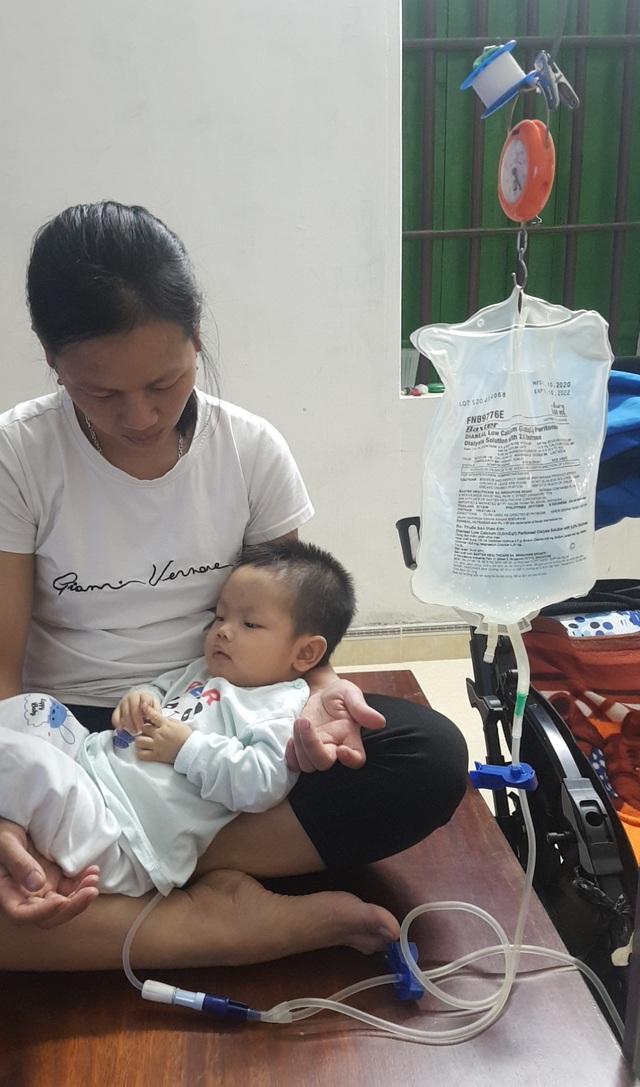 Sự sống mong manh của bé trai 17 tháng bị bệnh tim, thận cần sự hỗ trợ - Ảnh 5.