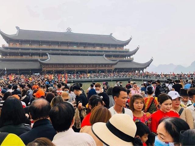 Giáo Hội Phật giáo Việt Nam khẩn cấp yêu cầu thực hiện phòng dịch COVID-19 sau việc hàng vạn người đến chùa Tam Chúc - Ảnh 2.