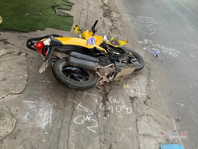 Thanh niên tử vong ở TP.HCM, tài xế lái ô tô bỏ chạy khỏi hiện trường - Ảnh 1.